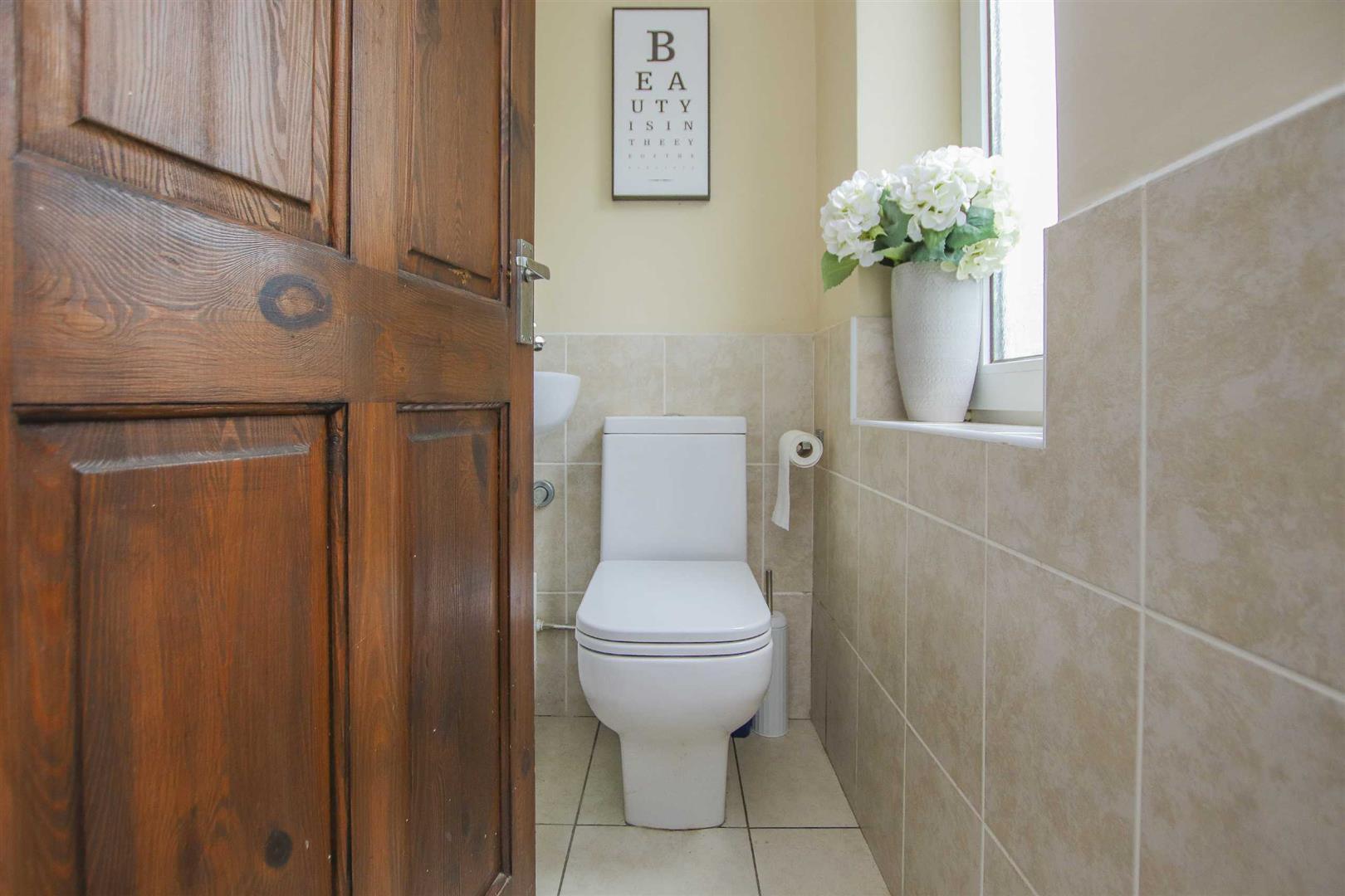 4 Bedroom Semi Detached Cottage For Sale - Image 13